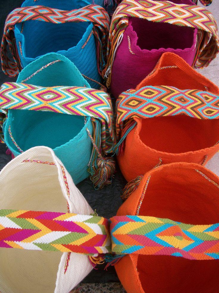 $60 c/u en wayuuCostaRica Wayuu Mochilas