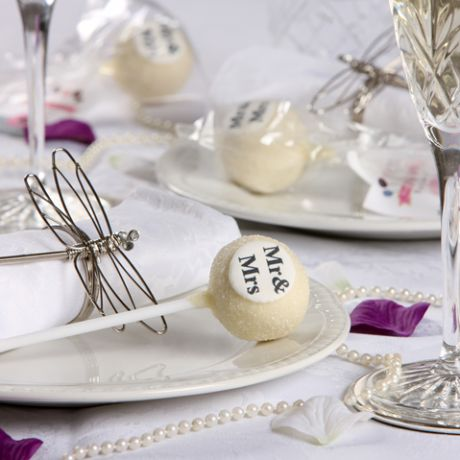 Personalised Cake Pop Wedding Favours - Decorated and personalised to your choice, Popkakery cake pops are made with the finest ingredients to compliment that special day, even Peter Andre loved them! Get them now at Yumbles.com #WeddingCakes #CakePops