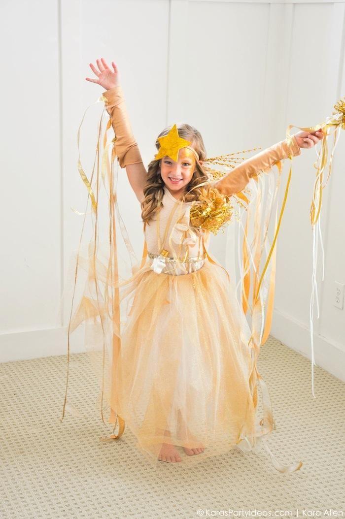 Easy DIY Shooting Star Halloween Costume by Kara's Party Ideas   Kara Allen   KarasPartyIdeas.com for Michaels #michaelsmakers-62