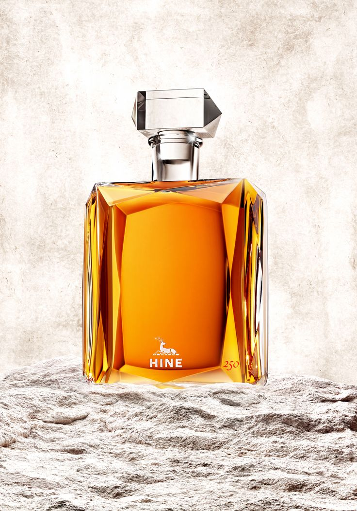 Hine Cognac, for its 250th anniversary created HINE 250. An exceptional Grande Champagne cognac presented in a Baccarat crystal decanter signed by Andrée Putman. A limited and numbered edition of only 250 for world-wide sales to admire this year at #Vinexpo Asia-Pacific 2014 on Hine Cognac's Booth !
