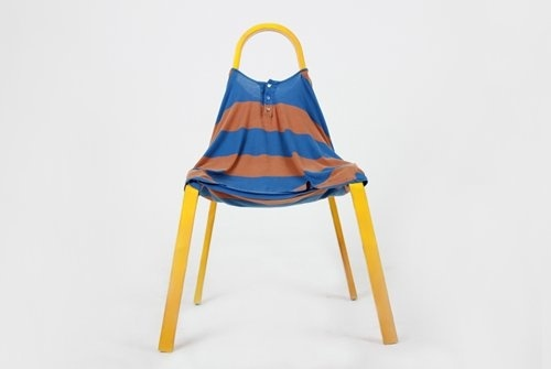 FITTING by Kim Xerock: Toss any t-shirt over the frame to make your chair.