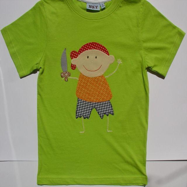 Camiseta con pirata. Camiseta verde de algodón con un dibujo de un pirata, hecho de aplicaciones patchwork de telas de algodón también, y festoneado a mano con hilos dmc.