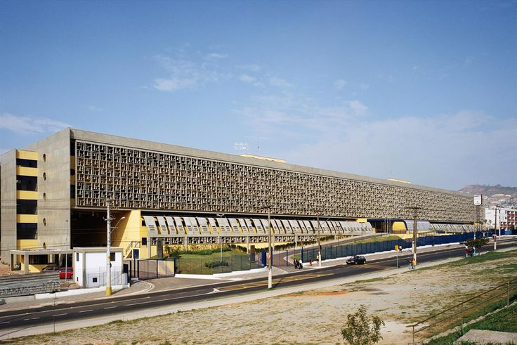 Galeria da Arquitetura | Hospital Municipal Cidade Tiradentes - Com mais de 27 mil m², o Hospital Municipal Cidade Tiradentes foi projetado com a horizontalidade como premissa