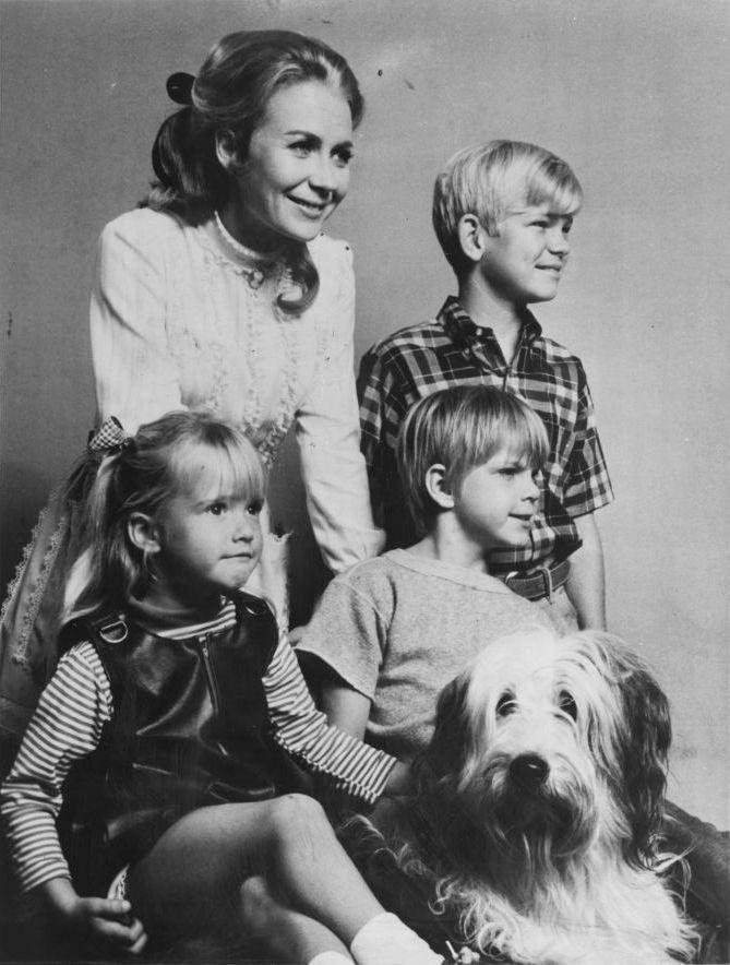 Nanny and the Professor Juliet Mills (Nanny), Waldo the Dog, David Doremus (Hal), Trent Lehman (Butch), Kim Richards (Prudence) 1970-1971