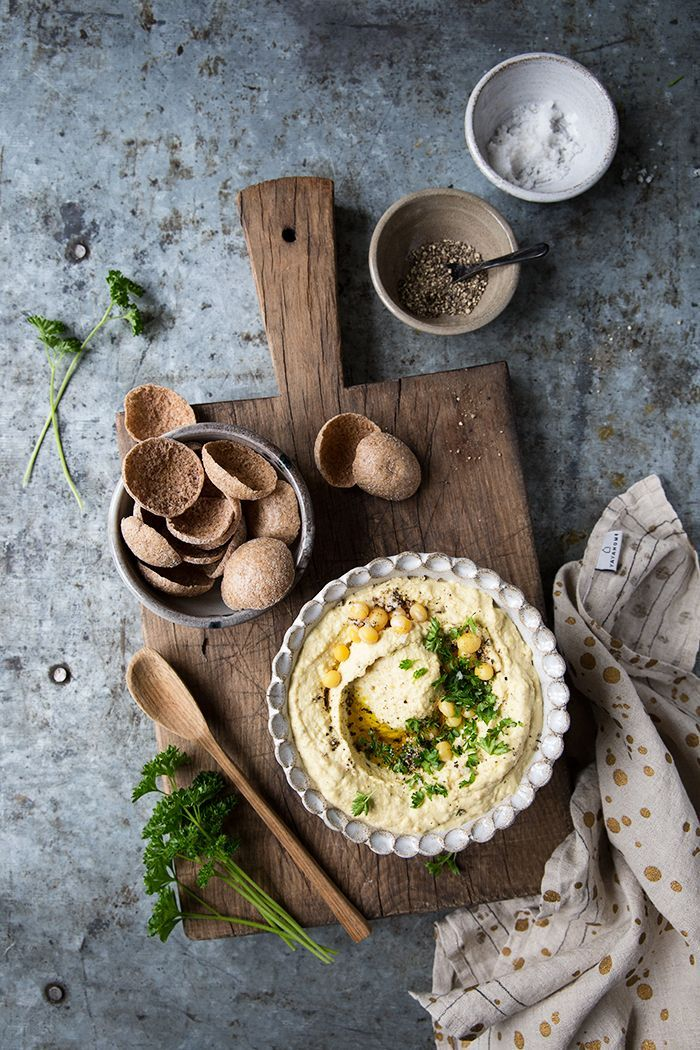 Yellow pea hummus with rapeseed oil :: Sonja Dahlgren/Dagmar's Kitchen