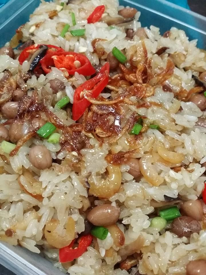 Singapore Home Cooks: Glutinous Rice by Quequek Yeo