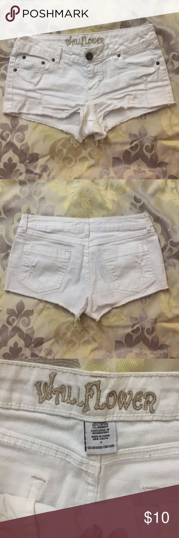 White shorts White low rise shorts, no holes or stains, size 7 juniors Shorts Jean Shorts