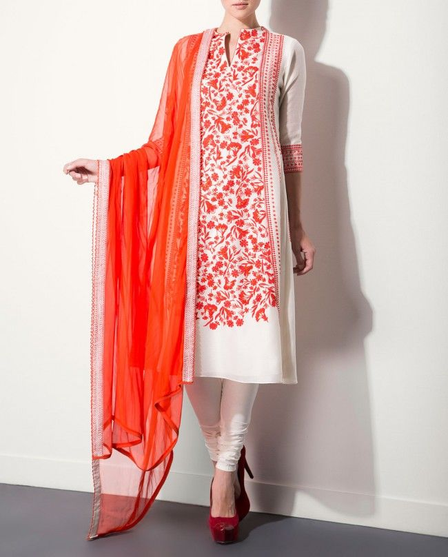 Ivory Kurta Set with Floral Prints by AM:PM Indian Ethnic Wear, Designer Style, India Designs, Indian Salwar Suits, Embroidery of India, Autumn/Winter 2015 Collection, Ankur Modi & Priyanka Modi