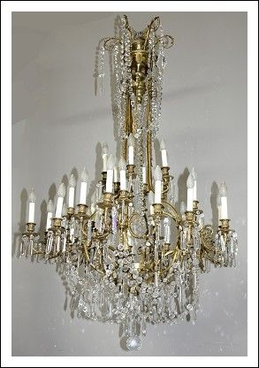 Grande lampadario in bronzo dorato