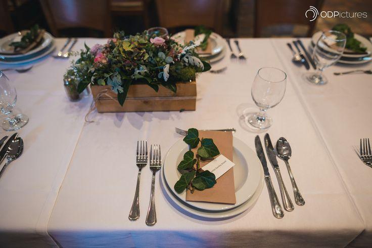 Wedding name card and napkin