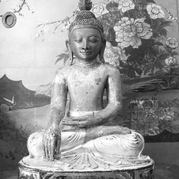 Most of the pain you are dealing with are just thoughts. Ever think of that? #buddha #buddhism #wisdom #knowledge #understanding #kundalini #meditation #floweroflife #sacredgeometry #scorpio #scorpioseason #columbus #ohio #cleveland #newyork #losangeles #miami #detroit #atlanta #lasvegas #igers #instagood