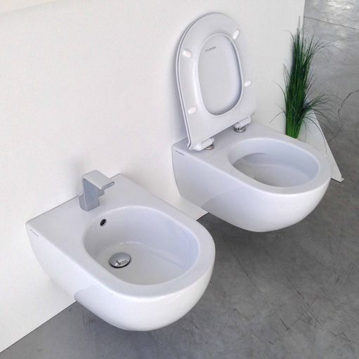 Aris spülrandloses WC und Aris Bidet