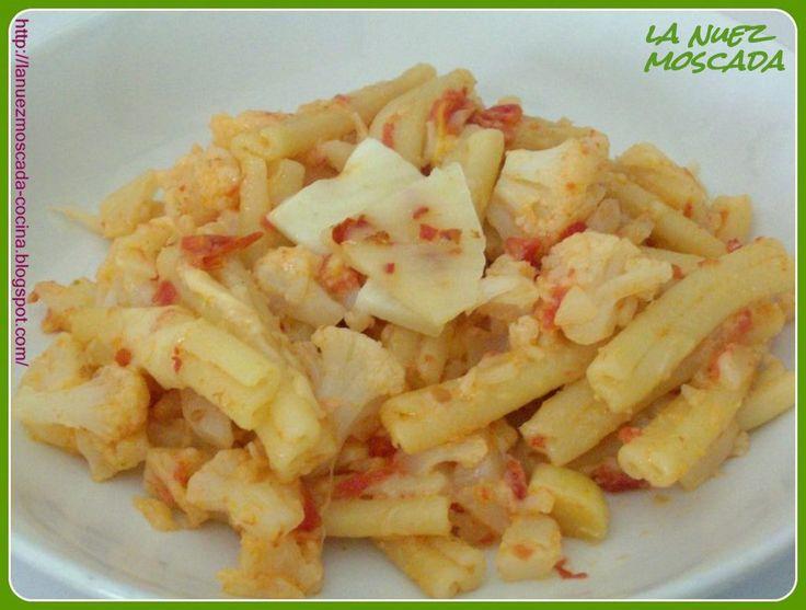 ... PECORINO AL PEPERONCINO - PASTA CASERECCE CON COLIFLOR Y QUESO PICANTE Must try! Super delicious!