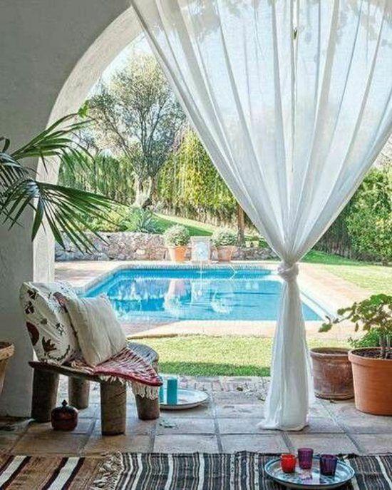 terrasse déco rideaux romantiques