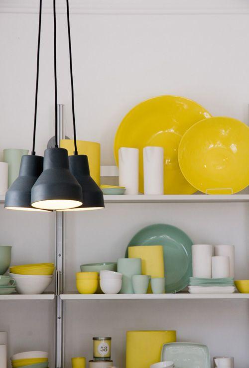 geel servies gecombineerd met andere kleuren - yellow plates
