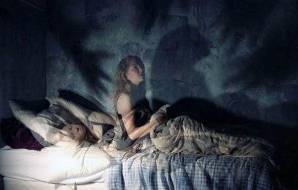 10 невероятных странностей, которые происходят с человеком во сне