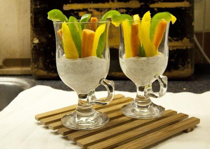 Groenten met frisse yoghurt-dip
