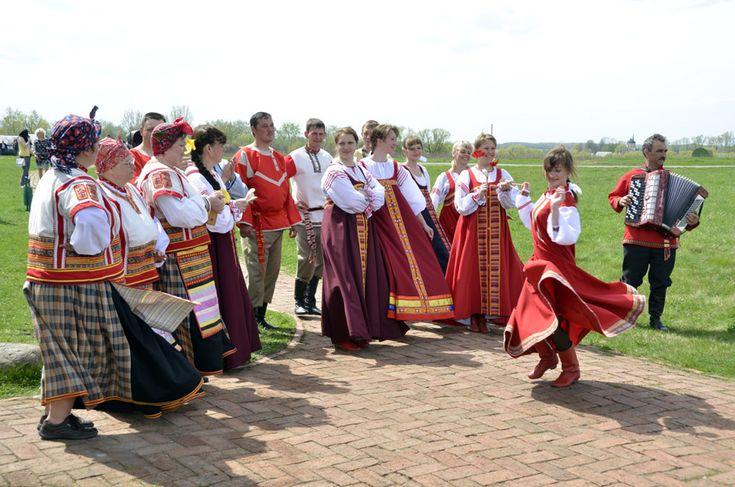 """Фольклорный праздник в """"Тарханах"""""""