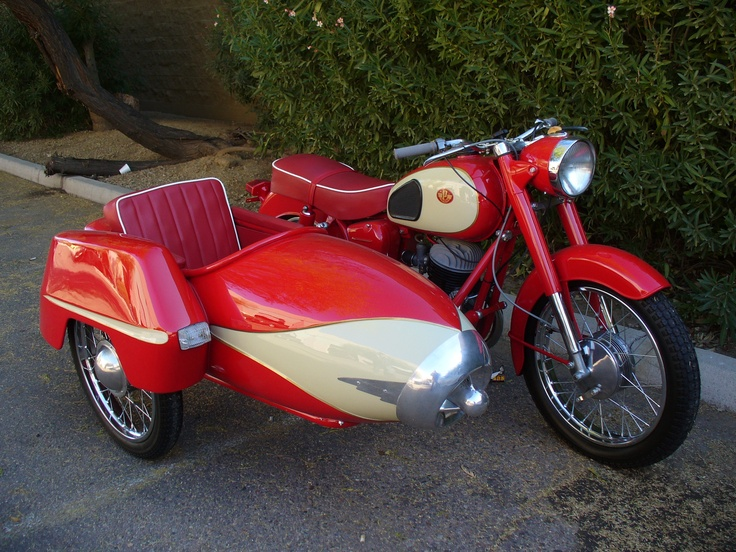 Pannonia T5 with Sidecar! Ha! now that's how I would like to travel on a long bike trip! haha!