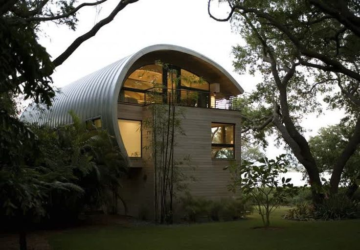 Curved roof house in Casey Key