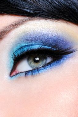 Gorgeous blue eye shadow