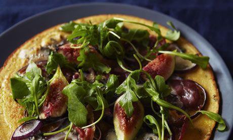 Chickpea pizza with figs, gorgonzola and prosciutto