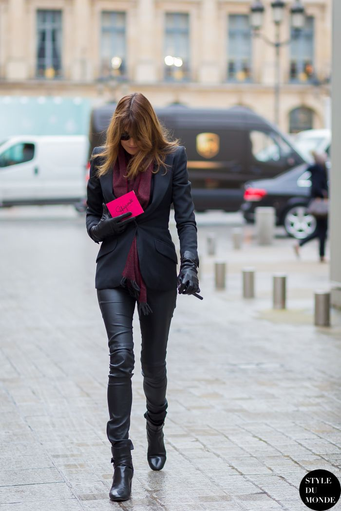 ughhh she looks amazing. #CarlaBruni in Paris.