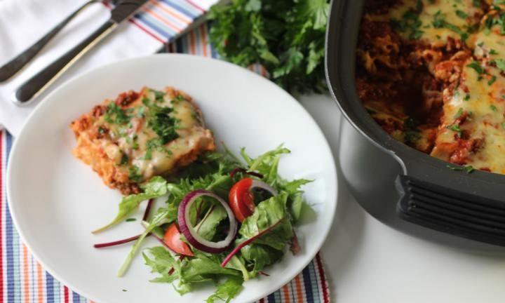 Slow cooker lasagne - Kidspot
