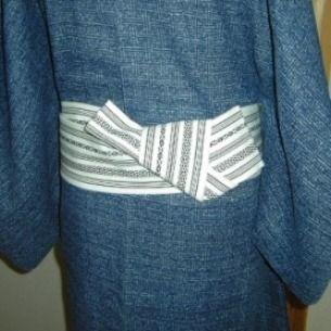 031 角帯(男性) - Kaku obi [used for yet to be determined musubi] [for male] ? ~ How to tie, see underlined link in original post, or: http://www.hansokubu.com/ai/031.pdf