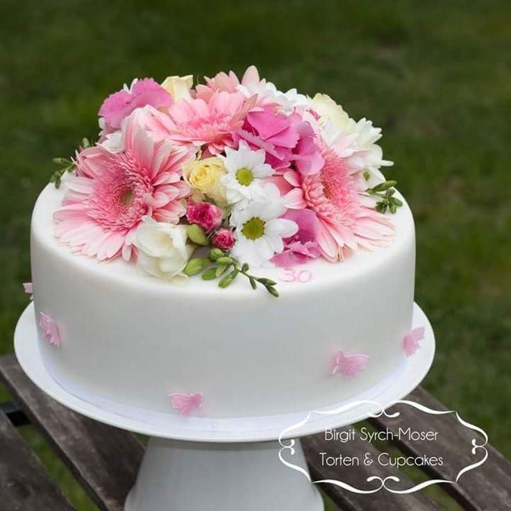 Birthday Cake with fresh flowers - Birgit Syrch-Moser - Google+
