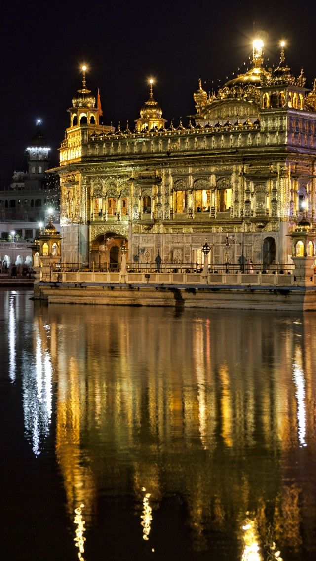 "Harmandir Sahib, the Sikh ""Golden Temple"" in Amritsar, Punjab, India"