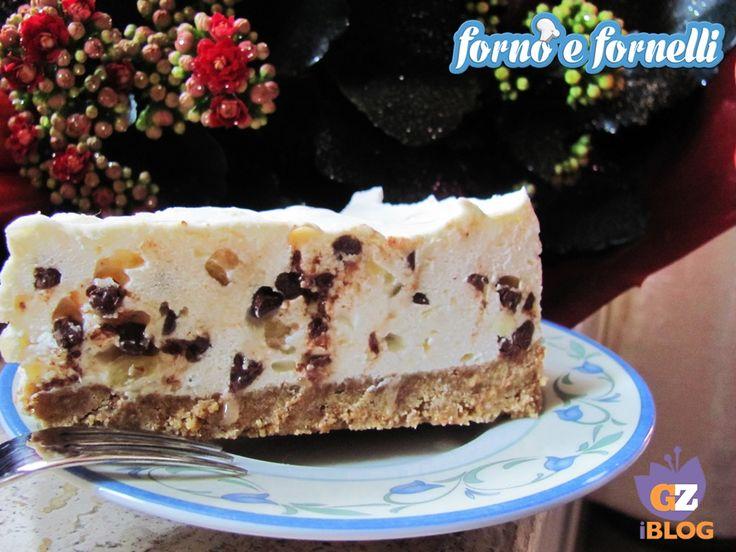 Cheesecake mandorle e cioccolato, ricetta dolce
