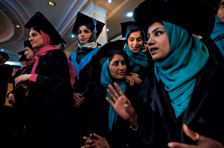 Kabul University, Afghanistan, 2010 (by Lynsey Addario)