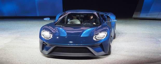 Den nye Ford GT er en klassisk superbil i den forstand, at den har centermotor, baghjulstræk, mere end 600 hk. Fotos: Ford #cars #biler #Ford