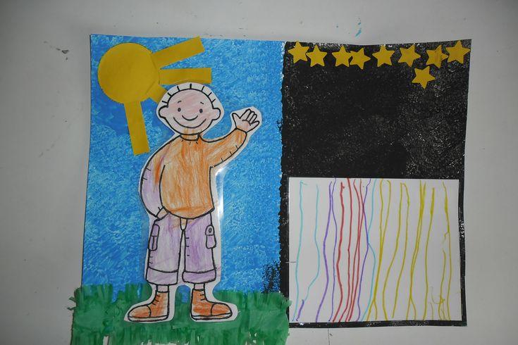 Dag- en nacht kalender. 1  Nu is het dag! De kleuters hebben Jules gekleurd (hier met zijn kleren aan) Maar draai je Jules om, dan heeft hij zijn pyjama aan...  Het blauw (dag) en zwart (nacht) hebben de kleuters gestempeld. De zon hebben ze mogen prikken en daarna opleven. Zonnestralen en sterren mochten ze ook kleven. En voor het deken van Jules hebben de kleuters strepen mogen tekenen. Als de kleuters moeten gaan slapen, mag Jules ook in zijn bed...