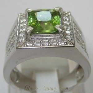 Cincin Pria Green Peridot Silver Ring 8.5US