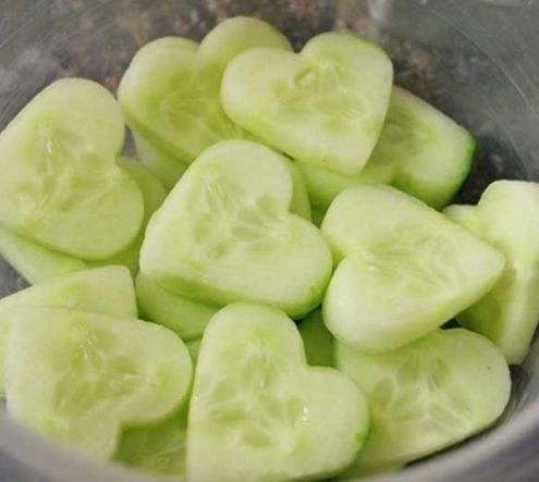 Valentines Day Salad Idea! Try using these super cute heart-shaped cucumbers in your #VDay salad!   http://www.usedeverywhere.com/healthy-valentine-potluck-snacks/