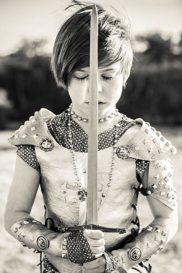 Joan Of Arc. Mom Photographs Her Daughter As Various Iconic Characters, And The Results Are Amazing • Page 4 of 5 • BoredBug
