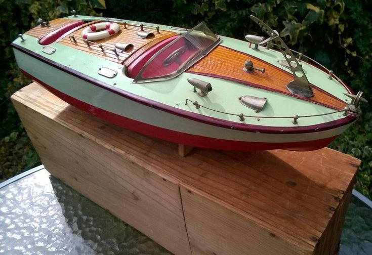 VIDEO Nice ITO TMY electric 18inch boat stand box works c1950 bing bassett lowke