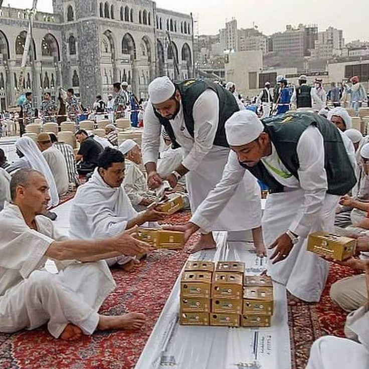 #DawnTravels is providing exclusive Umrah in Ramadan, now book your #Ramadan Umrah First Ashra, Second Ashra and Third Ashra from #NewYork #Chicago #California #Texas as the lowest price compare to the market.