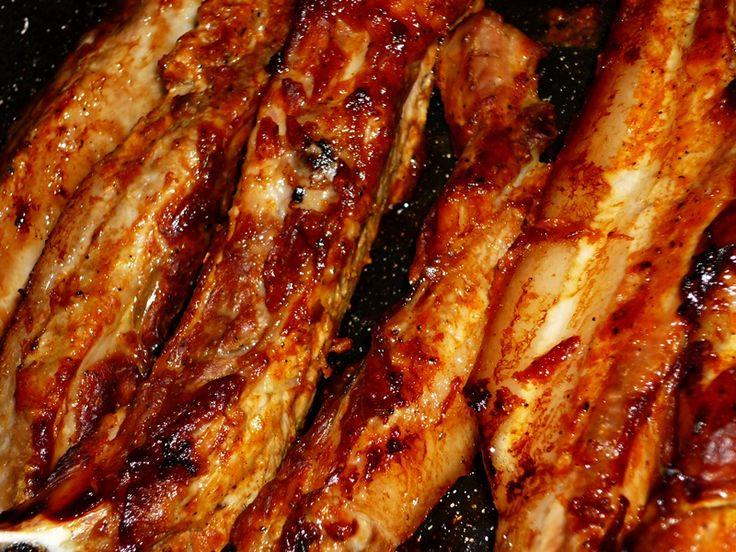 Reteta culinara Piept de porc cu sos barbeque, la cuptor din categoria Porc. Specific Statele Unite. Cum sa faci Piept de porc cu sos barbeque, la cuptor