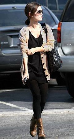 Black tunic + tan cardi + black leggings + booties... Maybe I can wearing my leggings :/