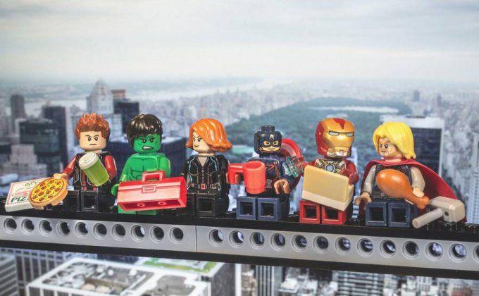 Dall'Ultima Cena alle fotografie più famose: i Lego nelle grandi opere d'arte