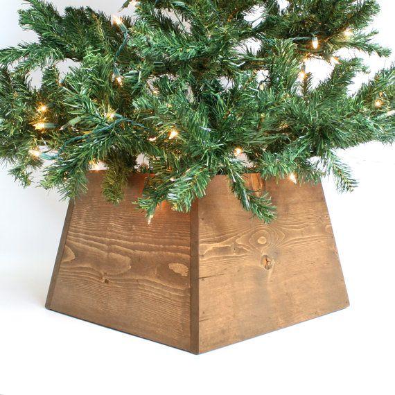 Christmas Tree Skirt- Rustic Tree Skirt- Rustic Christmas Decorations - Unique Christmas Tree- Alternative Christmas Tree- Holiday Decor