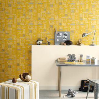 Geel is de perfecte kleur voor in de kinderkamer van 2012 én 2013. Het is fris, jeugdig, vrolijk en zowel geschikt voor jongens en meisjes.