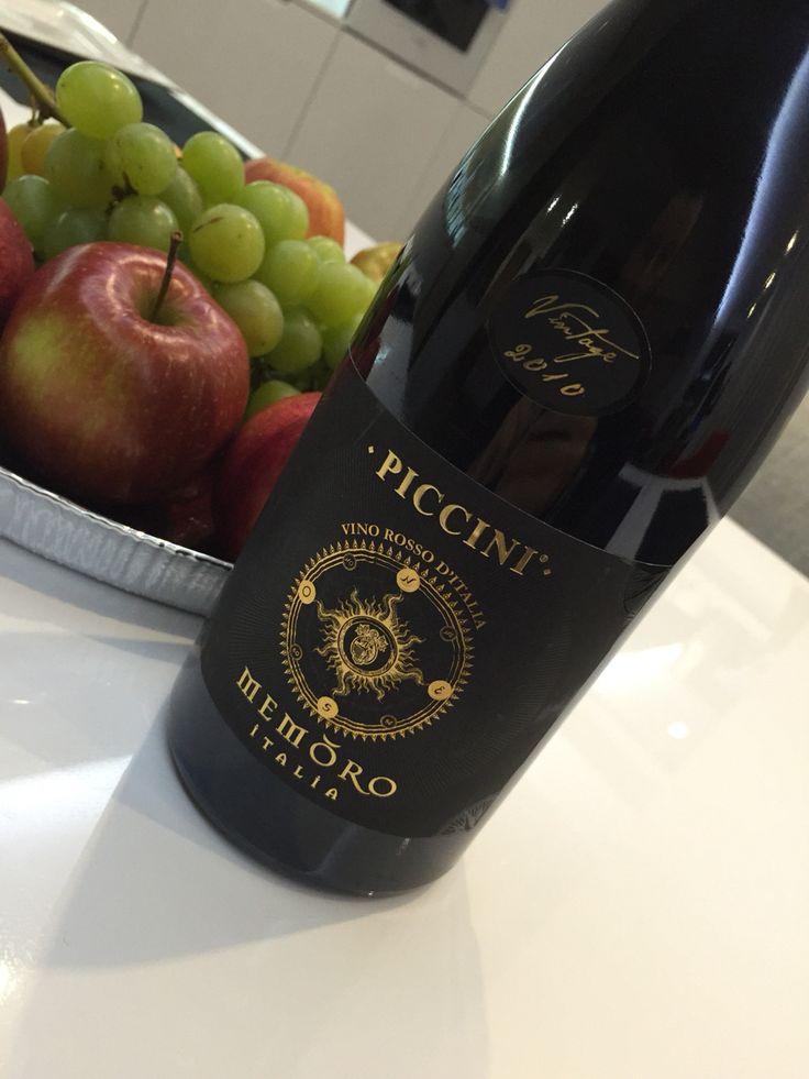 """Piccini Memoro Italia Rosso Vintage 2010  Великолепный букет, сбалансированное, из 4 сортов винограда, кофе, дубовая бочка, чернослив, цвет-""""спелая вишня"""". Очень понравилось, восхитительное!!!"""