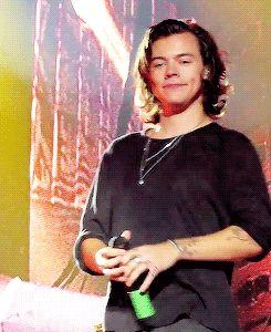 Me:Harry do you like Taylor Swift? H: (reaction)