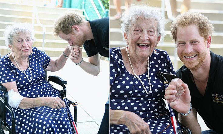 It's never too late to meet your Prince Charming! 95-year-young Ruth Uffleman received a special kiss from Harry at the wheelchair tennis final on the last day of competition. <br><p>Photo: Getty Images</p>
