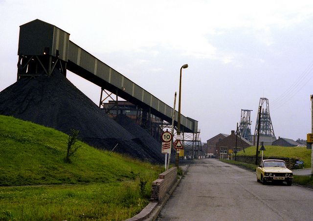 Woolley Colliery 1979 Darton near Barnsley.-- NCB. Coalface Training in 1974/5 and Deputy's training in 1977/8 was done here