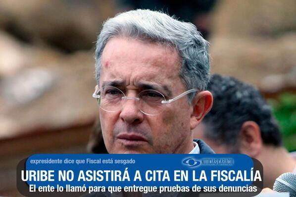 """Uribe no fue a la Fiscalía: pide a fiscal y vicefiscal declararse impedidos  Dice que Eduardo Montealegre """"descalifica y ofende"""" y demuestra """"sesgo"""". El expresidente había sido citado para hablar de sus denuncias contra Santos. http://www.noticiascaracol.com/nacion/articulo-323311-uribe-no-fue-a-la-fiscalia-pide-a-fiscal-y-vicefiscal-declararse-impedidos"""